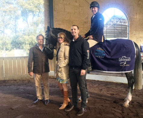 SMc_9947 Neil Ozanne, Paula Hamood, Matt Godwin w Darren Taylor & 2017 Champion(and 5YO Winner)  Air Wings Z.JPG