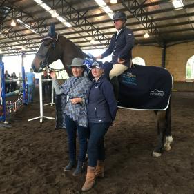 smc_6099-2016-champion-young-horse-jep-matildas-boy-darren-taylor-and-horseland-sponsors-cheryl-and-jennie.jpg